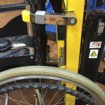 Установка коляски на подъемнике