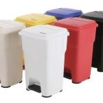 Разноцветные контейнеры для ЛПУ