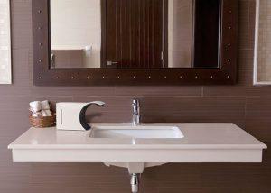 Сенсорный дозатор для ванной